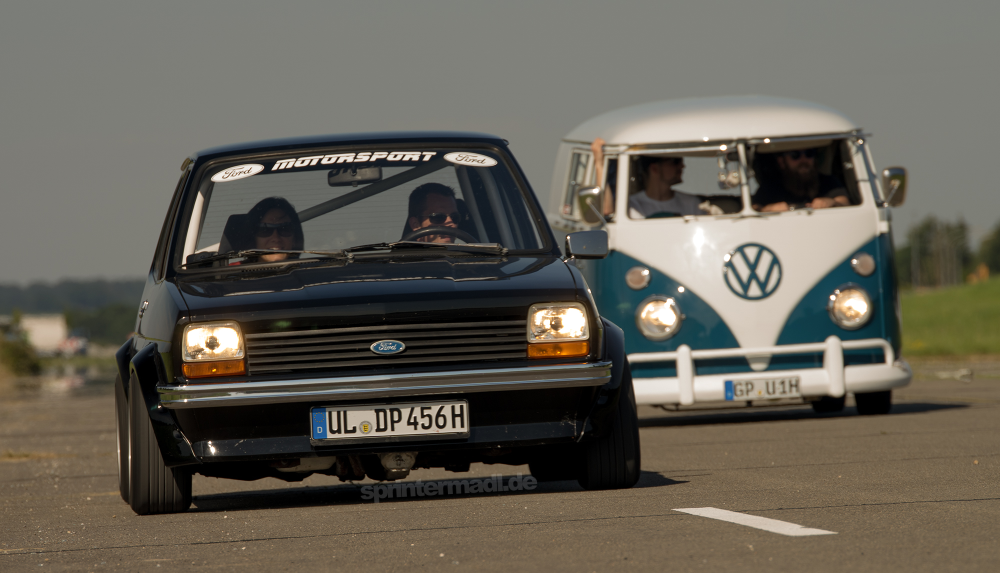 Ford Fiesta MK1 vs VW Bus T1